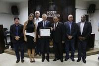 Câmara Municipal entrega título de Cidadania Honorária a Deputado Federal Zé Silva.