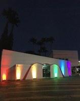 Orgulho LGBTQIA+: Câmara de Ituiutaba ganha cores do arco-íris