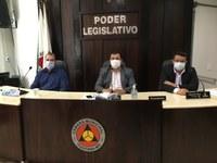Participantes da Audiência Pública manifestam contra a municipalização de ensino